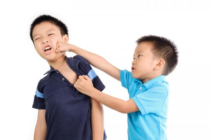 友達・兄弟のケンカ、そのとき親はどうするべき?