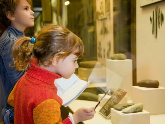 お誕生会の会場がゴッホ美術館!? 幼少時から芸術に触れさせるヨーロッパ流の子育て