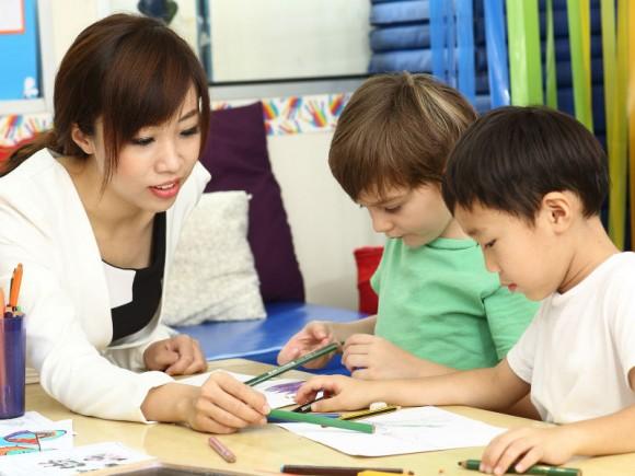 【インター幼稚園ママたちの匿名座談会:後編】日本の受験システムから脱落する!?意外と知らないインタースクールの落とし穴