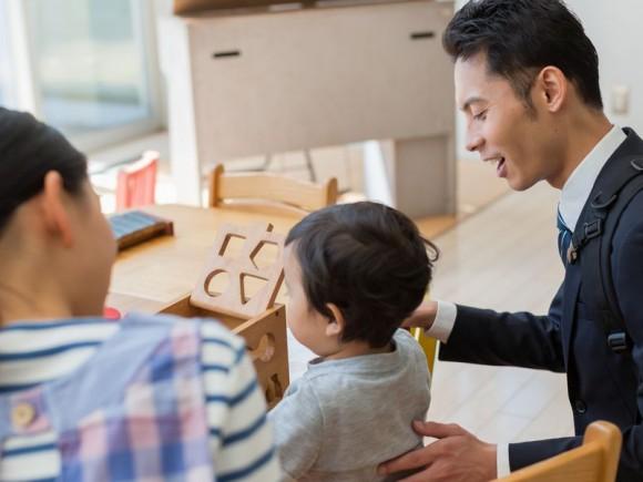 理想は「定時上がりか自営業!」 パパの仕事と育児のベストバランスとは?【理想のパパになる 第6回】