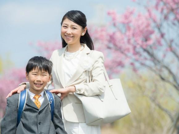 NOコサージュが常識!卒園、入学シーズン到来!「今どきママのハレの日ファッション」