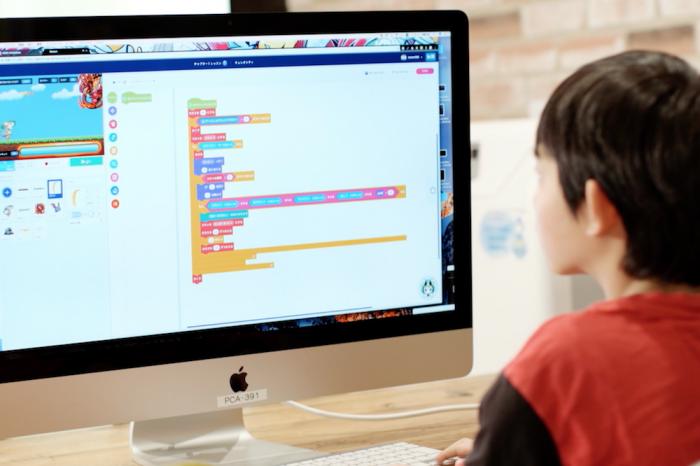 サイバーエージェントが手掛ける小学生向けの新プログラミング教材「QUREO」とは?